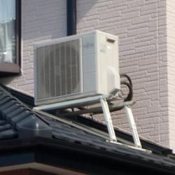 エアコン室外機の設置:屋根置き